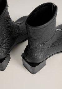 Mango - ZAPE - Classic ankle boots - schwarz - 5