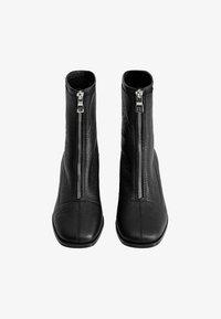 Mango - ZAPE - Classic ankle boots - schwarz - 1