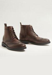 Mango - LIGHT - Lace-up ankle boots - braun - 2