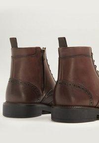 Mango - LIGHT - Lace-up ankle boots - braun - 4