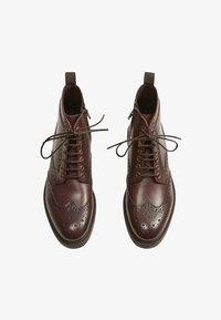 Mango - LIGHT - Lace-up ankle boots - braun - 1