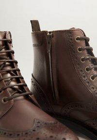 Mango - LIGHT - Lace-up ankle boots - braun - 5