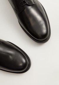Mango - MADRID - Smart lace-ups - schwarz - 4