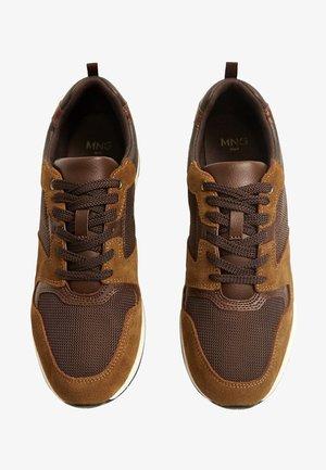 RUNSOFT - Sneakers - braun
