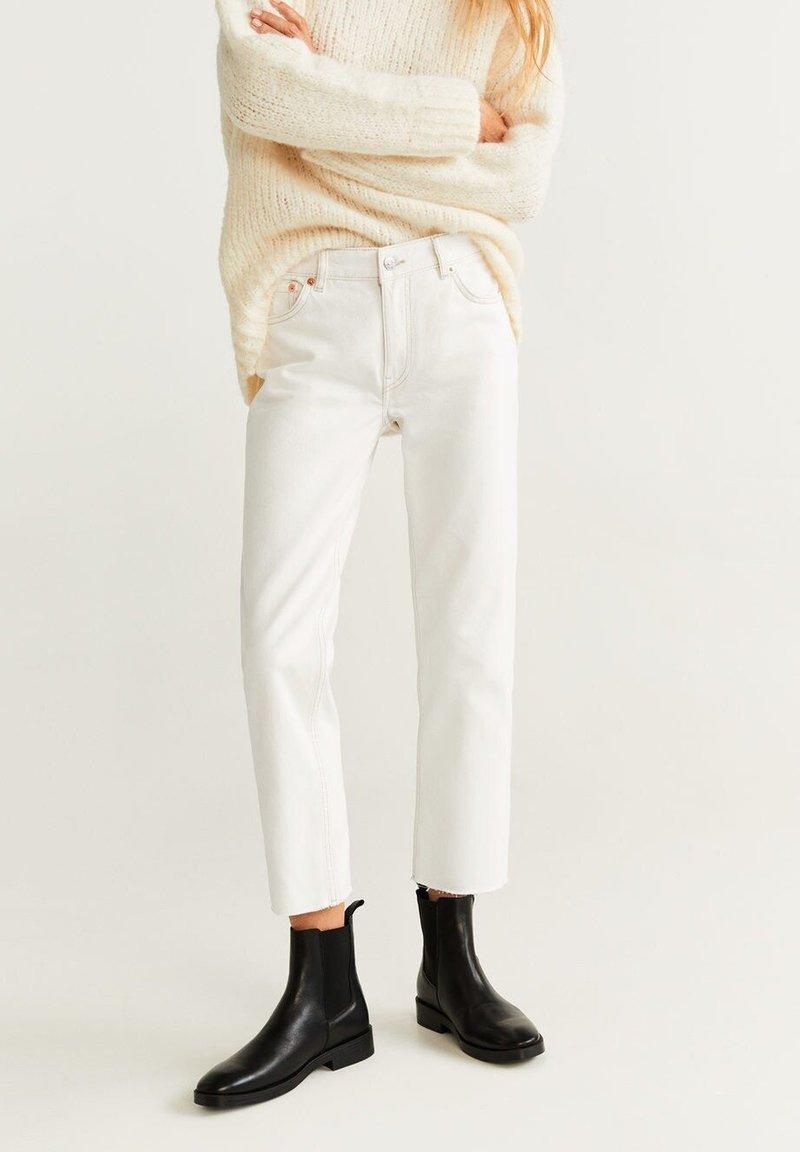 Mango - SAYANA - Straight leg jeans - off-white