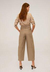 Mango - TOBACCO - Spodnie materiałowe - mittelbraun - 2