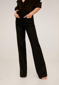 Mango - MIRANDA - Spodnie materiałowe - schwarz - 0