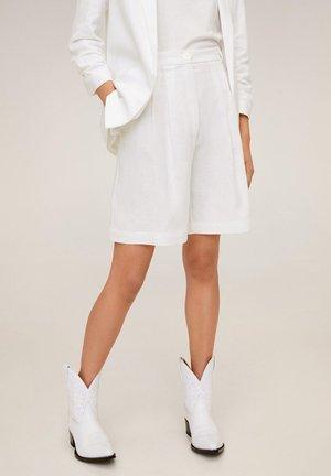 NIEVE-X - Shorts - weiß