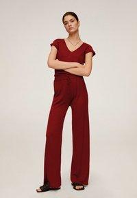 Mango - LINEN - Spodnie materiałowe - rot - 1