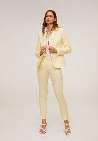 Mango - BORELI - Pantalon classique - yellow - 1