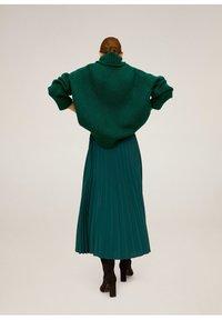 Mango - ANGELA - Pleated skirt - green - 2