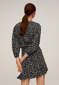 Mango - DELHI - A-line skirt - schwarz - 2