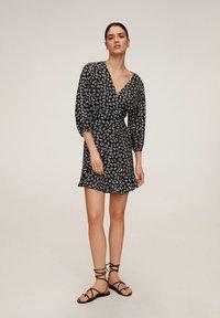 Mango - DELHI - A-line skirt - schwarz - 1