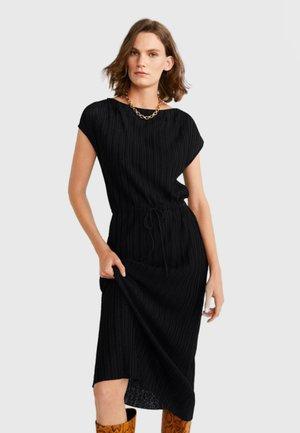 PLISS - Robe longue - black