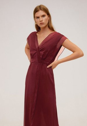 DANA - Vestido largo - garnet red