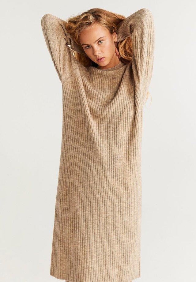 SOUL - Stickad klänning - medium brown