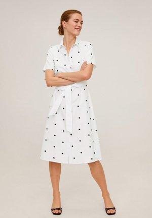 HEMDKLEID MIT GÜRTEL - Shirt dress - weiß