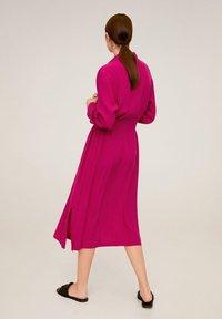 Mango - HEMDKLEID MIT TASCHEN - Robe chemise - fuchsia - 2