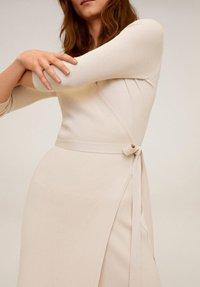 Mango - ZENIS - Gebreide jurk - beige - 4