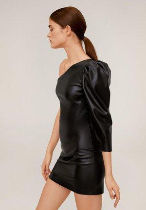 ASYMMETRISCHES KLEID MIT LEDER-EFFEKT - Vestito elegante - schwarz