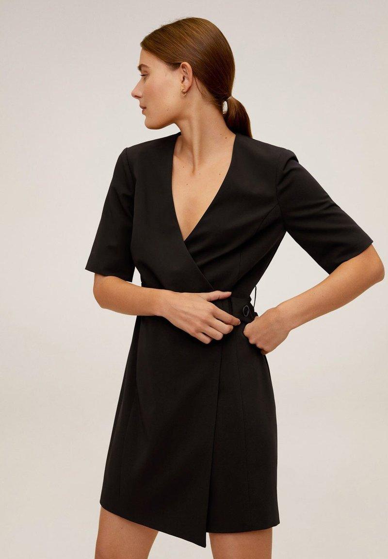Mango - BORECUAD - Korte jurk - schwarz