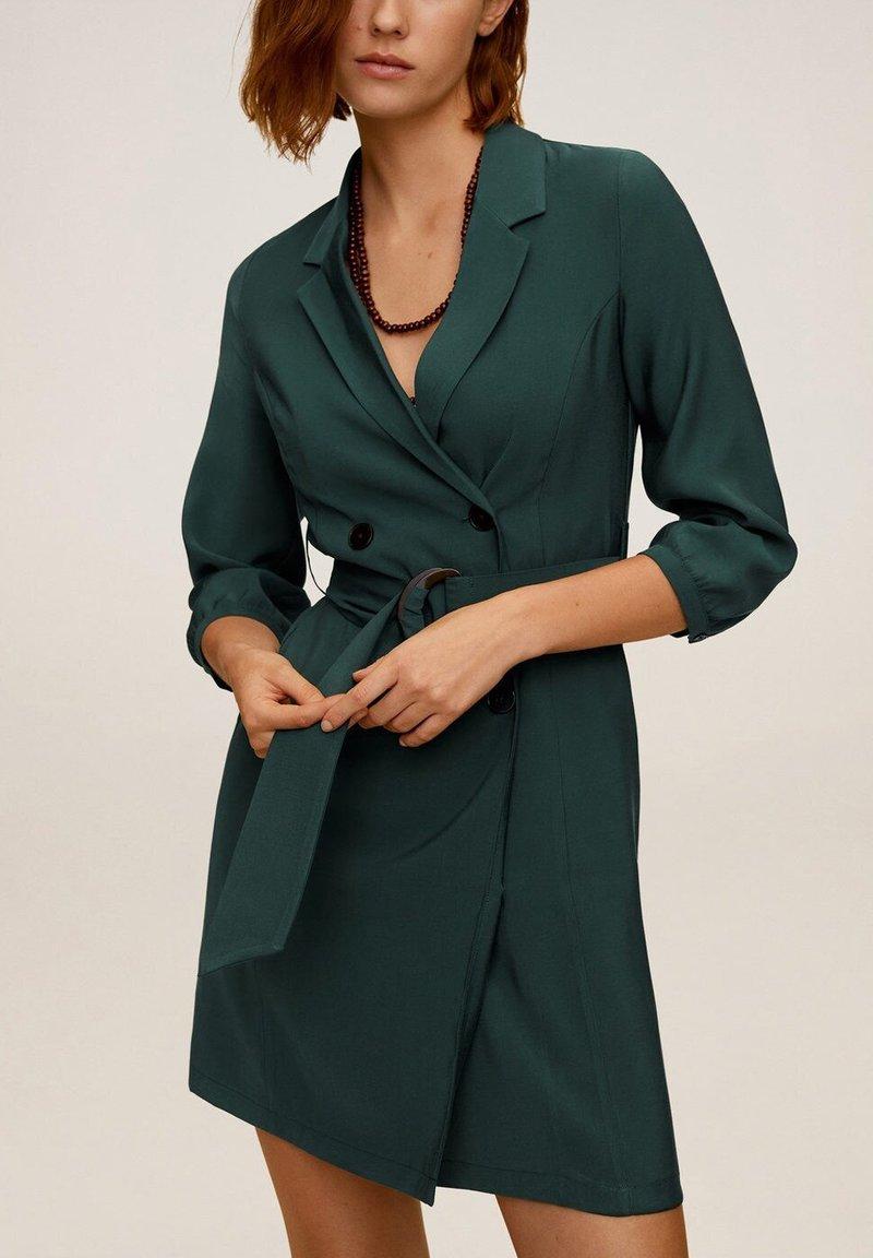 Mango - TUXEDO - Shirt dress - grün