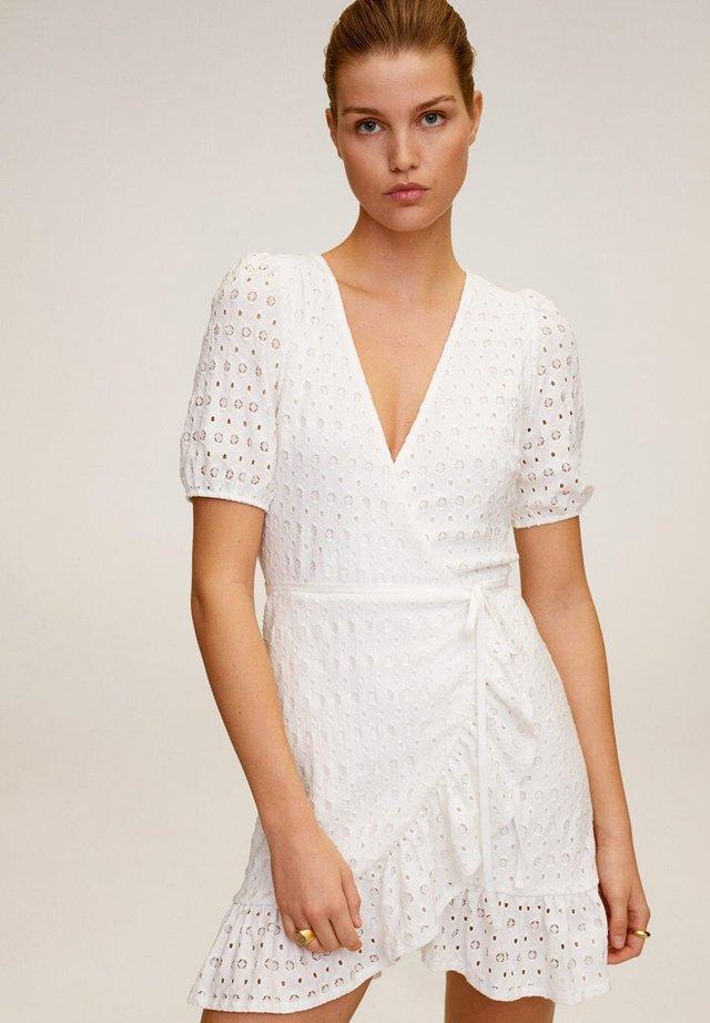 PILAR - Korte jurk - cremeweiß