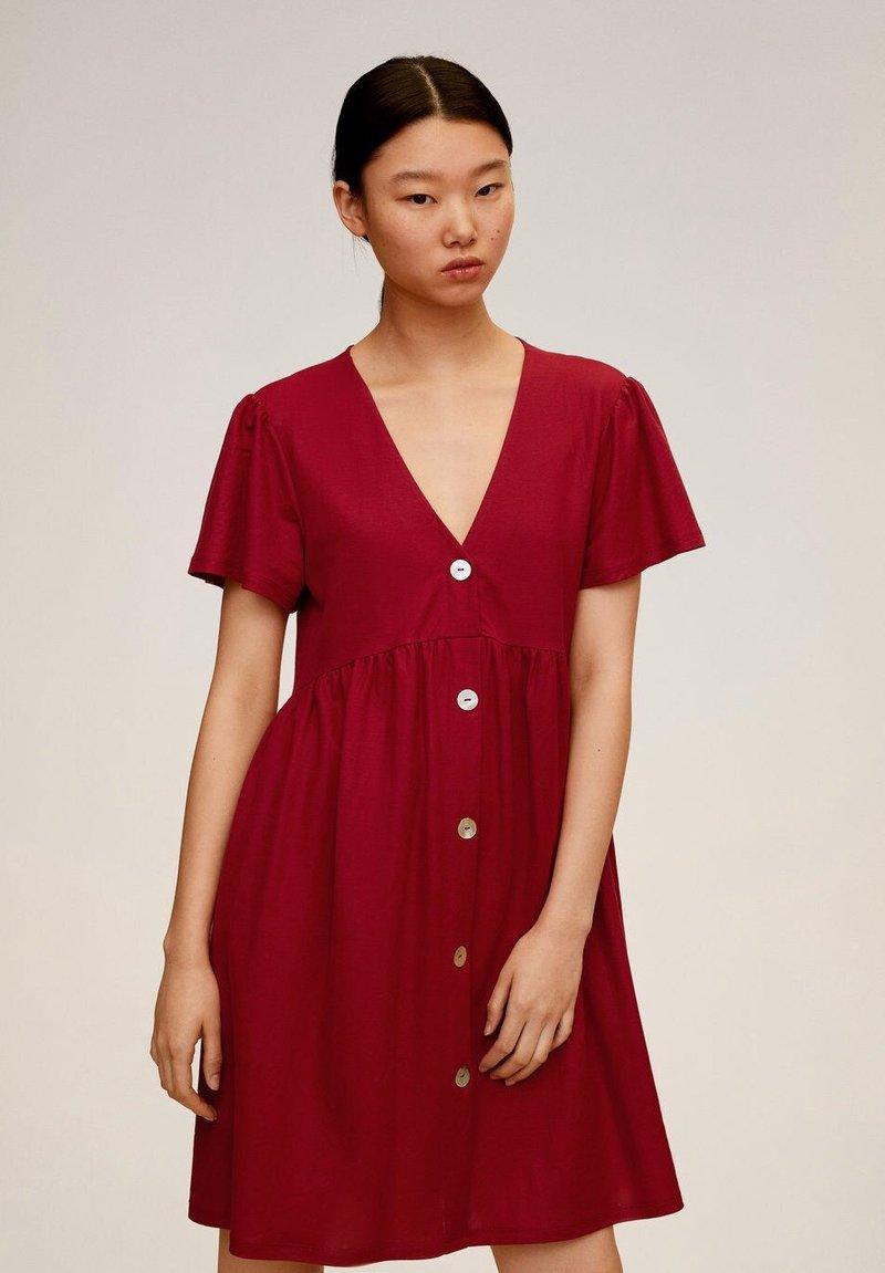 Mango - THALIA - Robe chemise - kersenrood