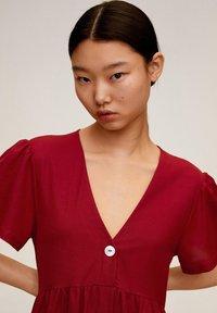 Mango - THALIA - Robe chemise - kersenrood - 4