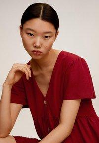 Mango - THALIA - Robe chemise - kersenrood - 5
