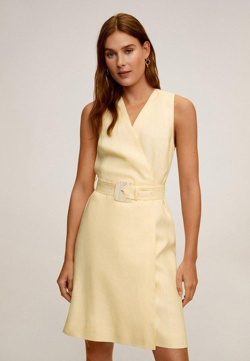Mango - BORELI - Korte jurk - pastellgelb