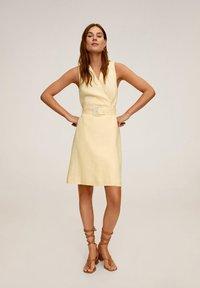 Mango - BORELI - Korte jurk - pastellgelb - 1