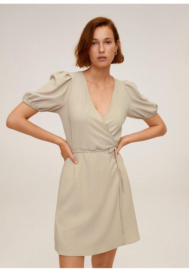 CACHE-CŒUR À POIS - Korte jurk - sable