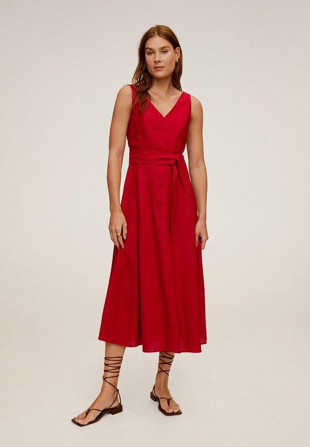 TEMPOLI - Korte jurk - czerwony
