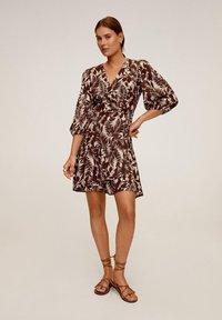 Mango - TROPIC - Day dress - schokolade - 1