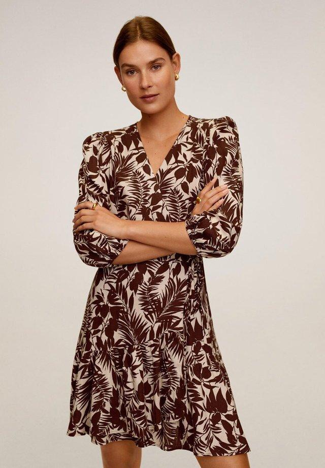 TROPIC - Korte jurk - schokolade