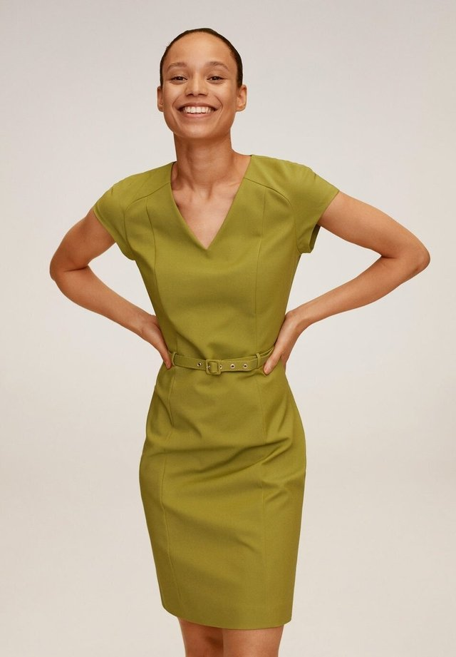 COFI7-N - Sukienka etui - olivengrün