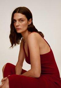 Mango - AMSTER - Jumper dress - rouge - 5