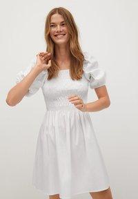Mango - BEATRIZ - Korte jurk - blanc cassé - 0