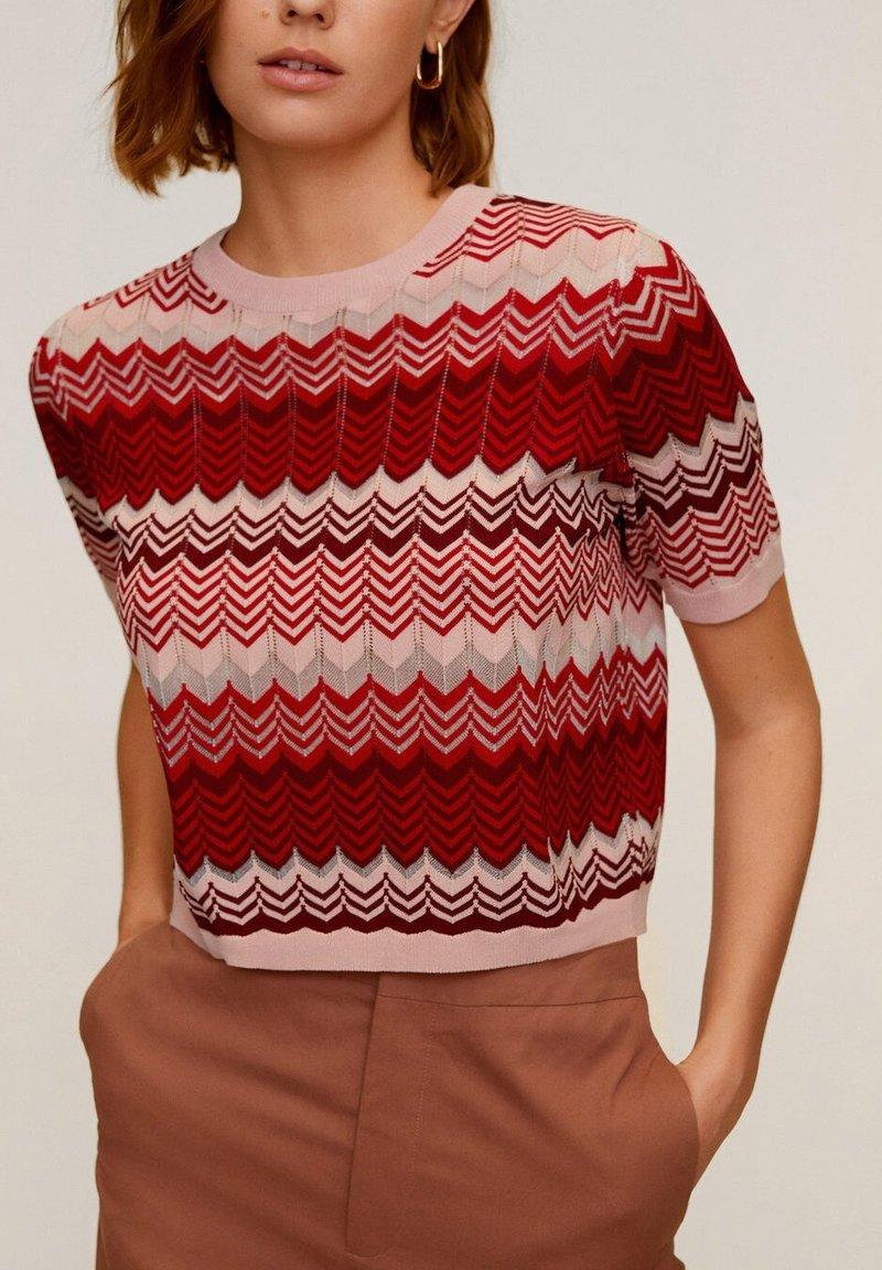Mango - CHEVRY - T-Shirt print - rouge