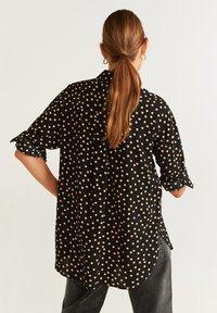 Mango - CERCLE - Button-down blouse - black - 2