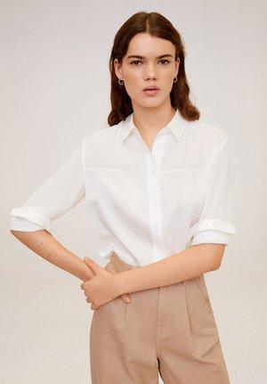 FLIESSENDE SATINBLUSE - Camicia - off-white