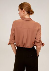 Mango - BIMA - Button-down blouse - rotbraun - 2