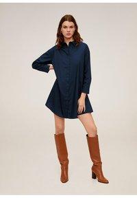 Mango - SNOW - Robe chemise - dunkles marineblau - 1