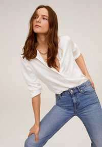 Mango - SATINI - Button-down blouse - cremeweiß - 0