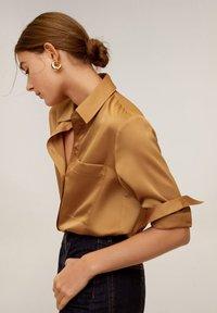 Mango - SATINI - Button-down blouse - okker - 3