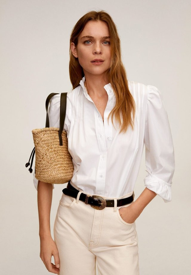 REGINA - Button-down blouse - cremeweiß