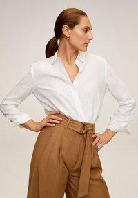 Mango - LINO - Button-down blouse - cremeweiß - 0
