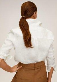 Mango - LINO - Button-down blouse - cremeweiß - 2