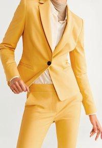 Mango - COFI - Blazer - mustard yellow - 3